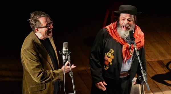 Thedy canta ao lado de Marenco. Foto: Paulo Fonseca