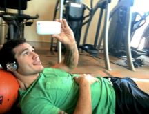 mma fighter selfpic erection exposed