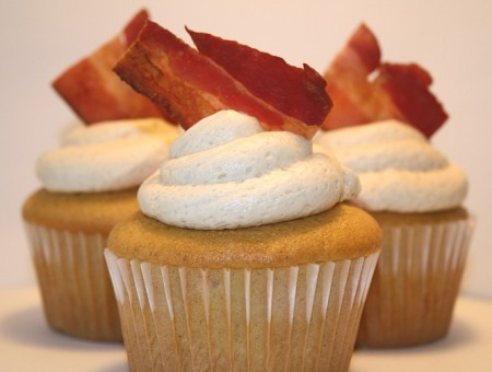 French Toast and Bacon Cupcakes