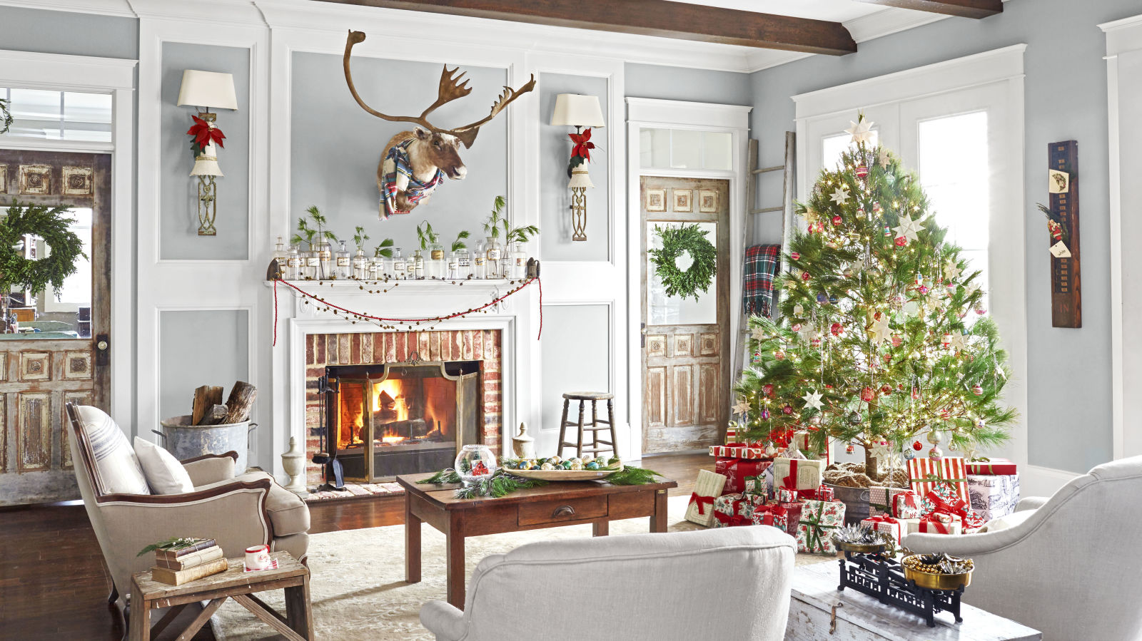 10 Incredible Christmas Home Tours To Inspire You