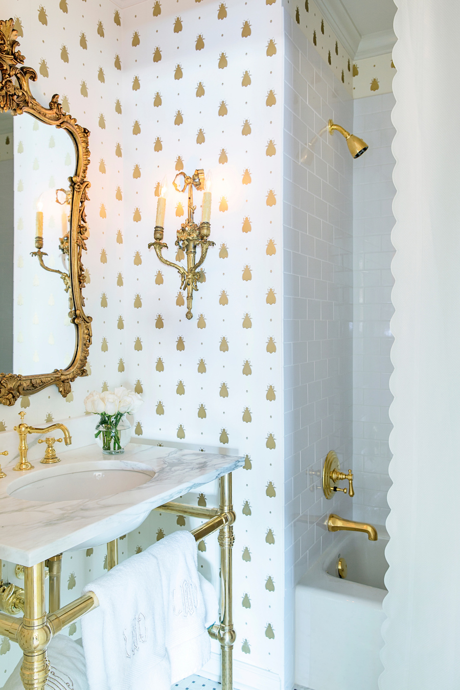Black And White Wallpaper Bedroom Ideas 18 Gorgeous Marble Bathrooms With Brass Amp Gold Fixtures
