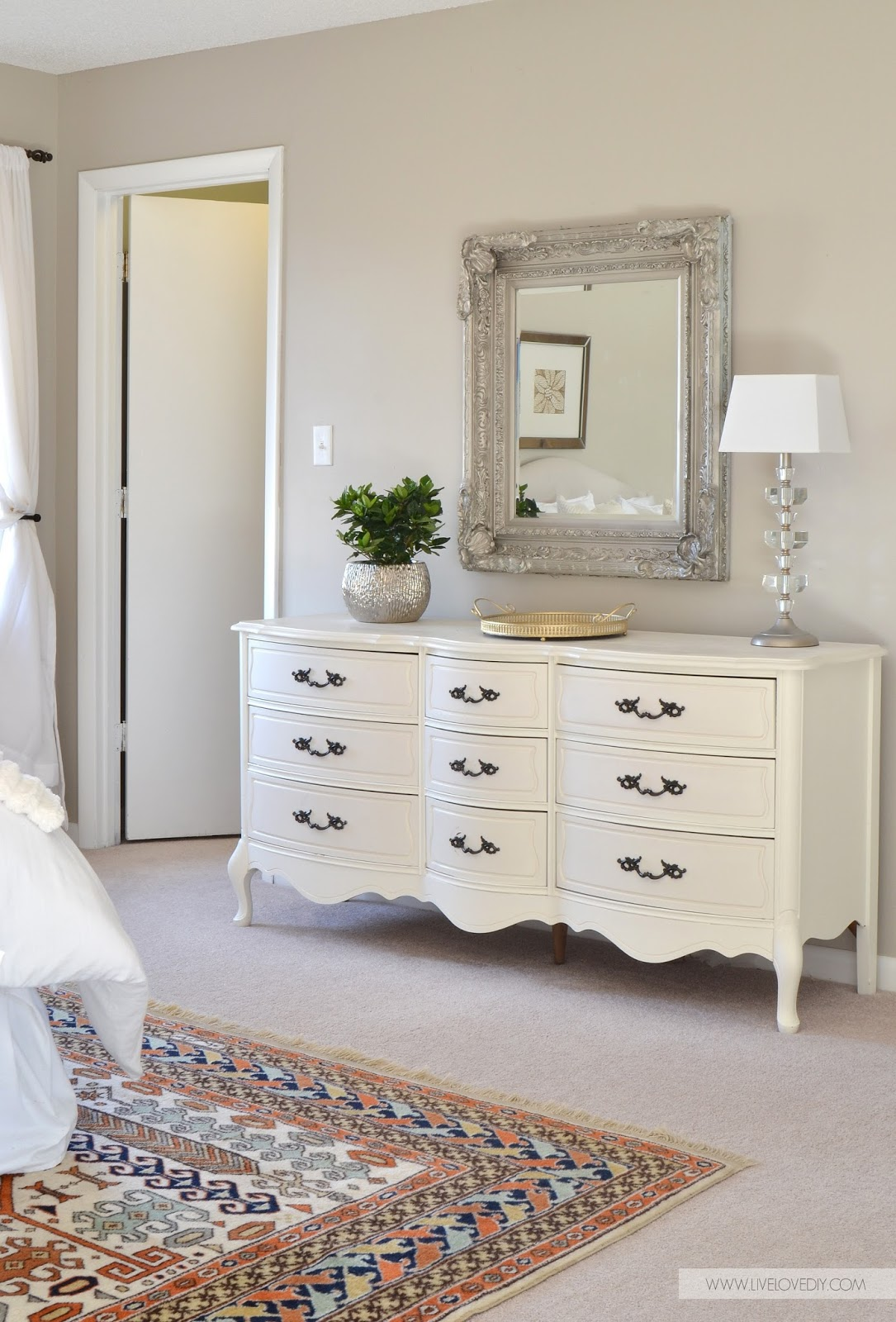 White Bedroom Dresser 12 Ultra Glamorous Vintage Dressers For Your Home