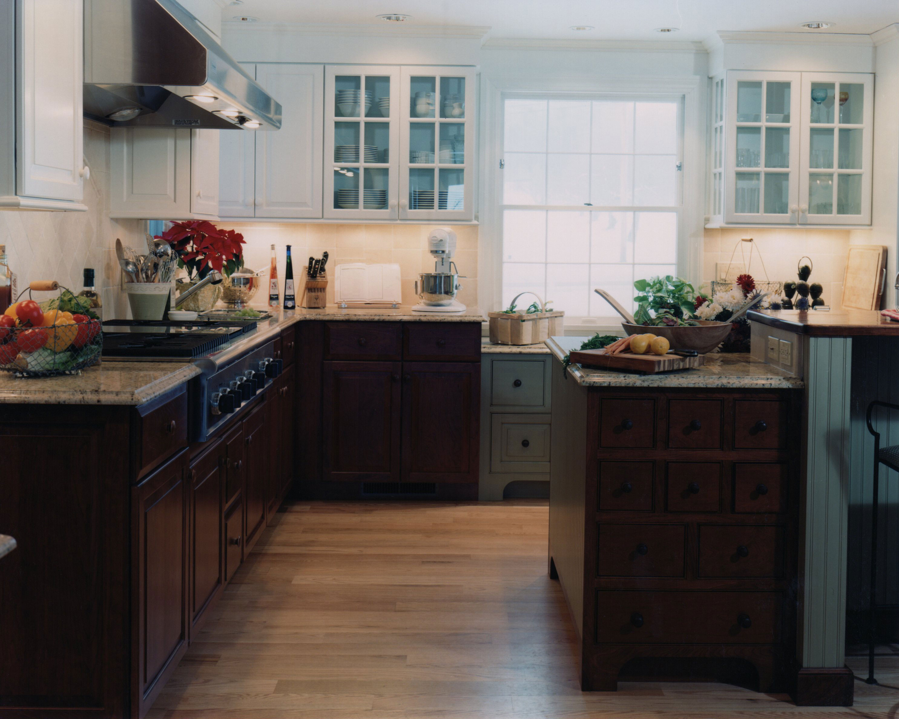 Black Base Cabinets White Upper Cabinets House Reno On Pinterest Painted Kitchen Cabinets