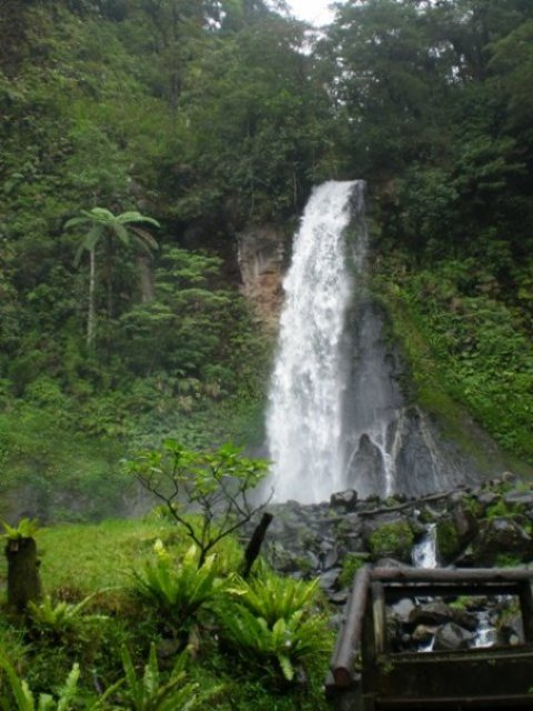Air Terjun Betara Lenjang in Lombok