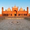 pakistan-attractions-badshahi-mosque-1