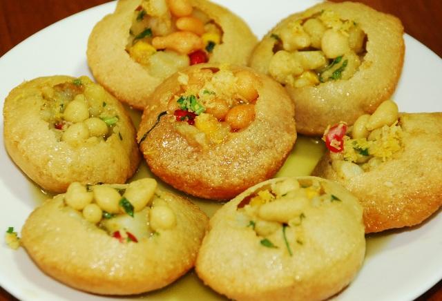 local delicacies, india, udaipur, panipuri