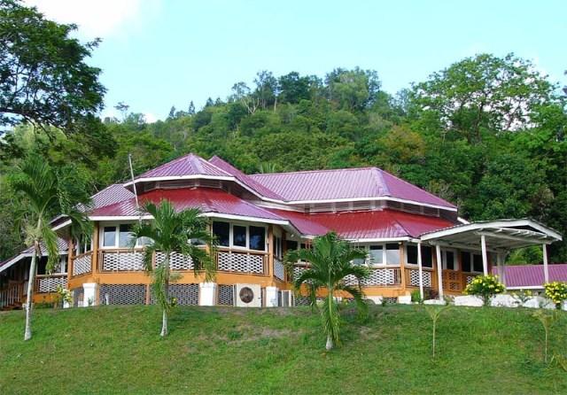 bubungan dua belas, oldest building in brunei
