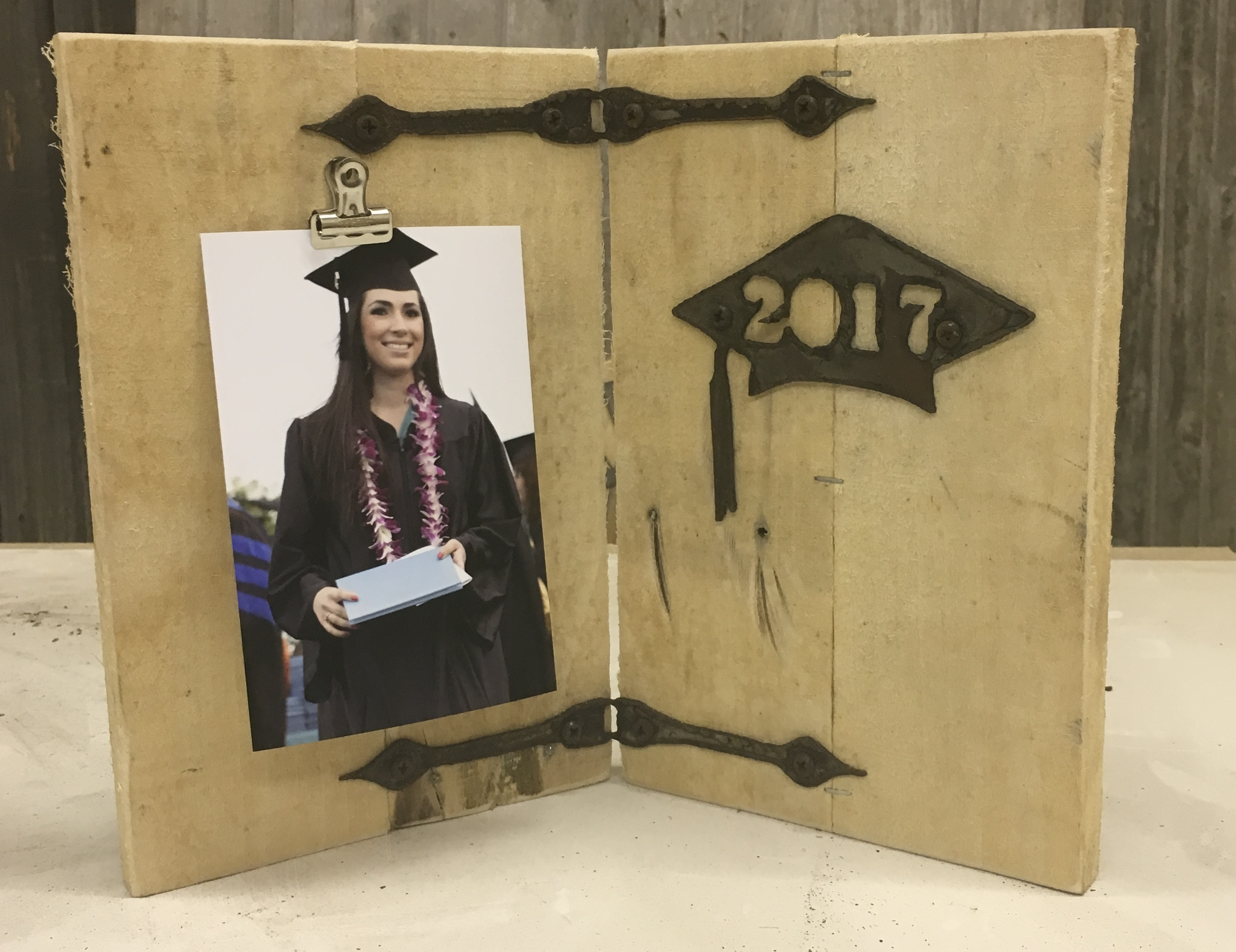 Rustic Decorating Ideas Graduation Graduation Freestanding Frame W Cap And Year Rustic Metal