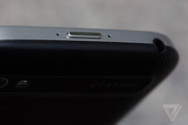blackberry-classic-5.jpg?resize=618%2C41