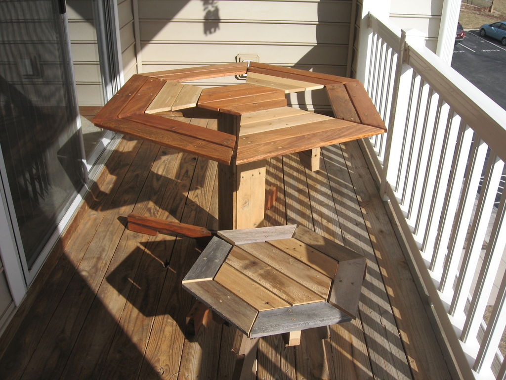 Swing Patio Couch 20 DIY Pallet Patio Furniture Tutorials For A Chic And Practical Outdoor Patio! – Page 2 of 2 ...