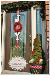 39 Breathtaking DIY Christmas Door Decorations in 2015