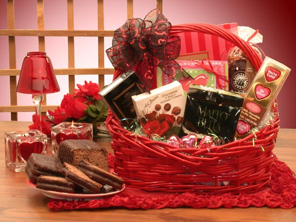 Valentine Gift Basket Ideas For Her Eskayalitim