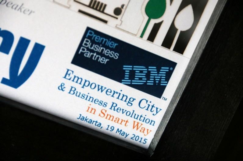 Souvenir Pembicara IBM