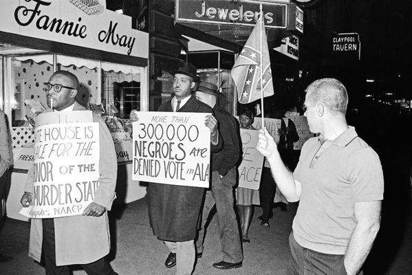 (AP Photo/Bob Daugherty, File, April 14, 1964)