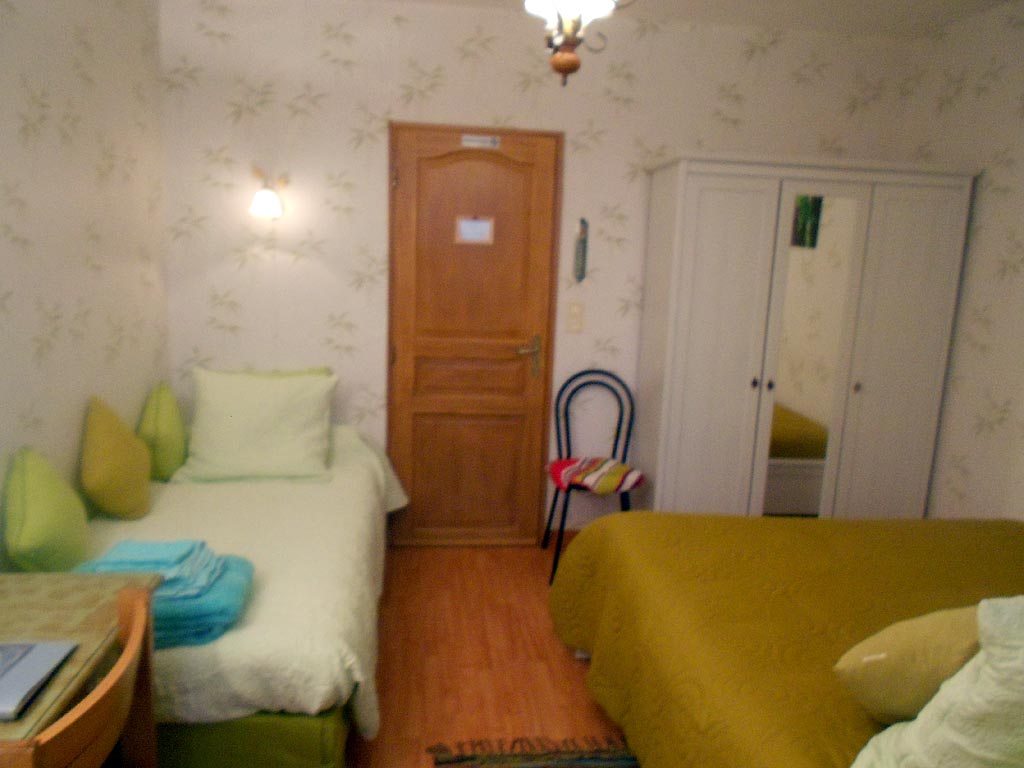 Eetkamer Eclipse Bed Breakfast L Eclipse Kamers In Saint Nicolas Des Motets In