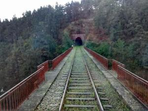 La sortie du tunnel de Pontempeyrat, sur le viaduc du même nom.