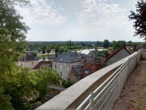 Le canal du nivernais vu du haut de Cercy-la-Tour.