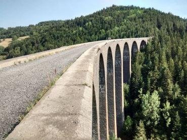 Le viaduc de la Recoumène. Construit sur la transcévenole, ligne jamais circulée !