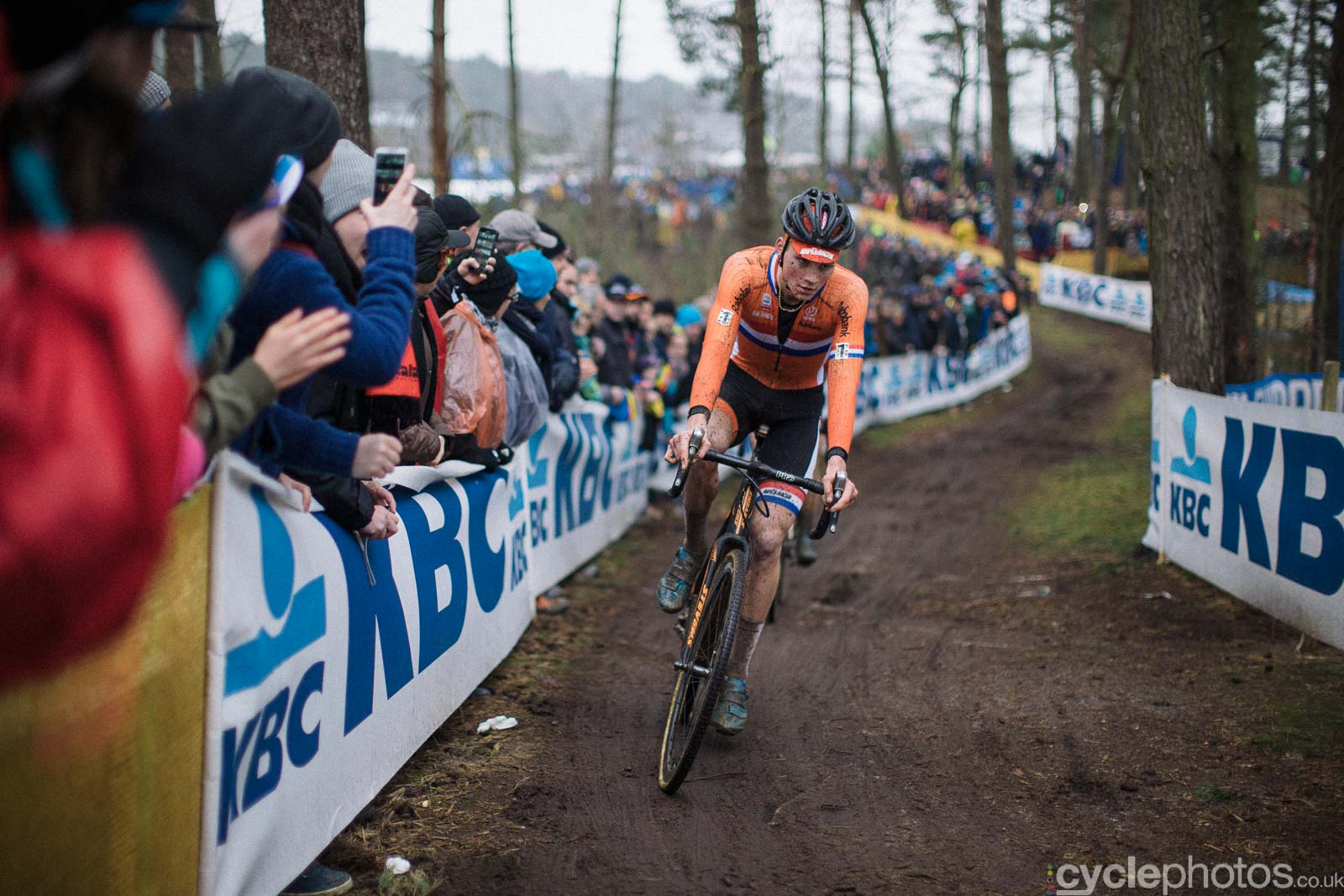 2016-cyclephotos-cyclocross-world-championships-zolder-151829-matthieu-van-der-poel