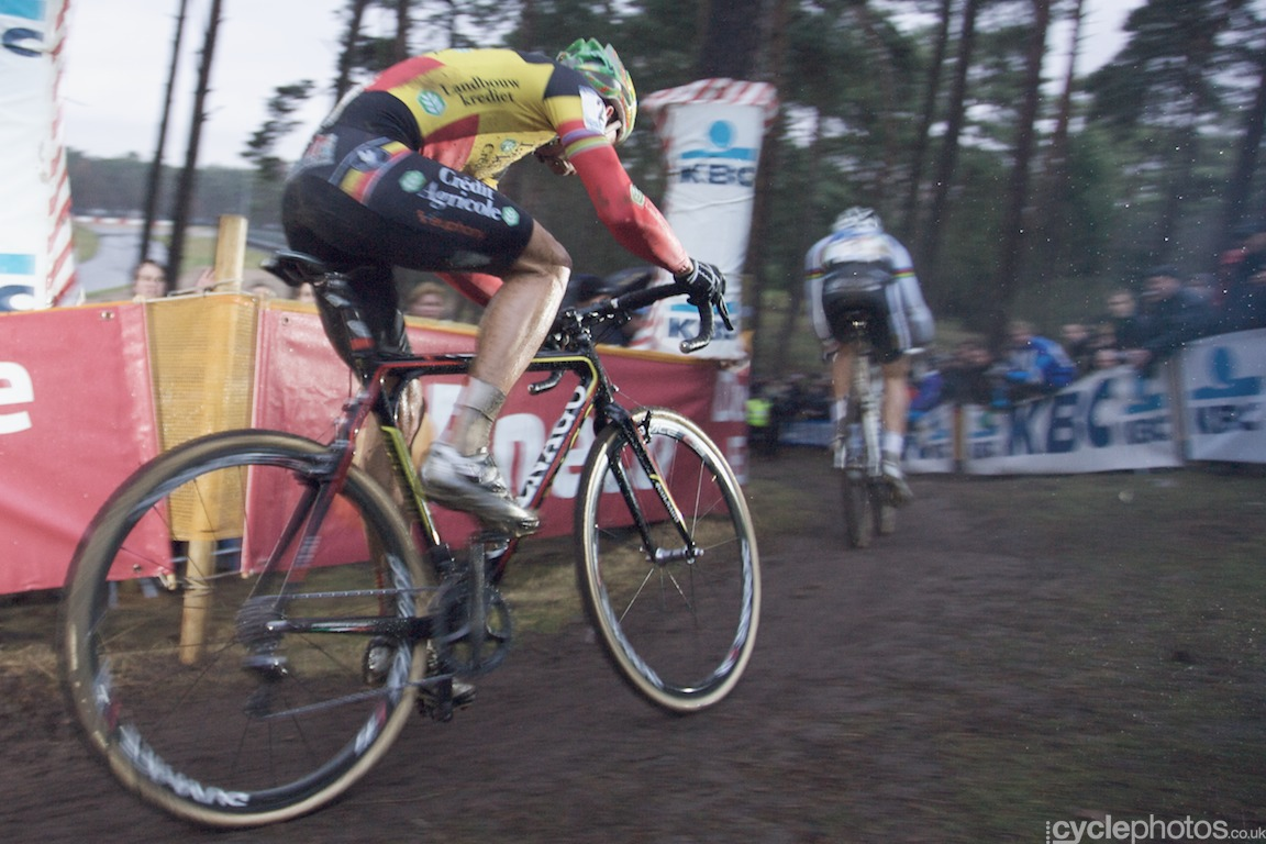 Sven Nys allowed Niels Albert to lead for the majority of the race but he was never further behind than a few bike lengths