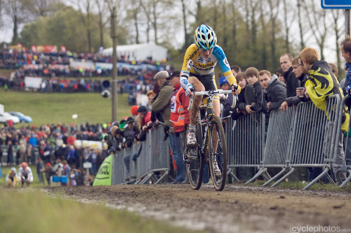 Nikki Harris rides in the penultimate lap of the Koppenbergcross in Oudenaarde, Belgium. Photo by Balint Hamvas / Cyclephotos.co.uk