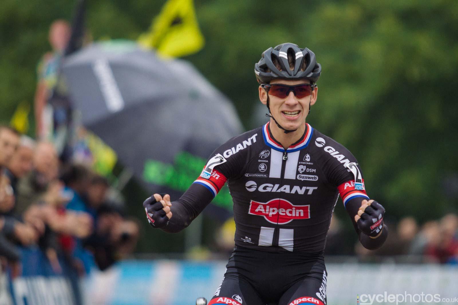 2015-cyclephotos-cyclocross-valkenburg-160625-lars-van-der-haar