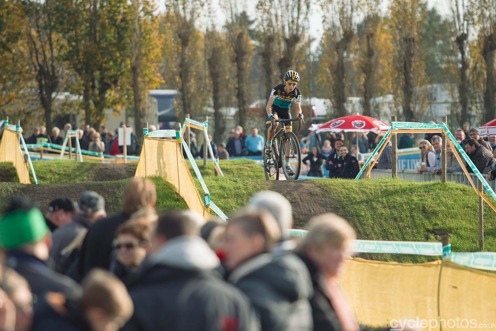 2015-cyclephotos-cyclocross-ruddervoorde-140652-jolien-verschueren