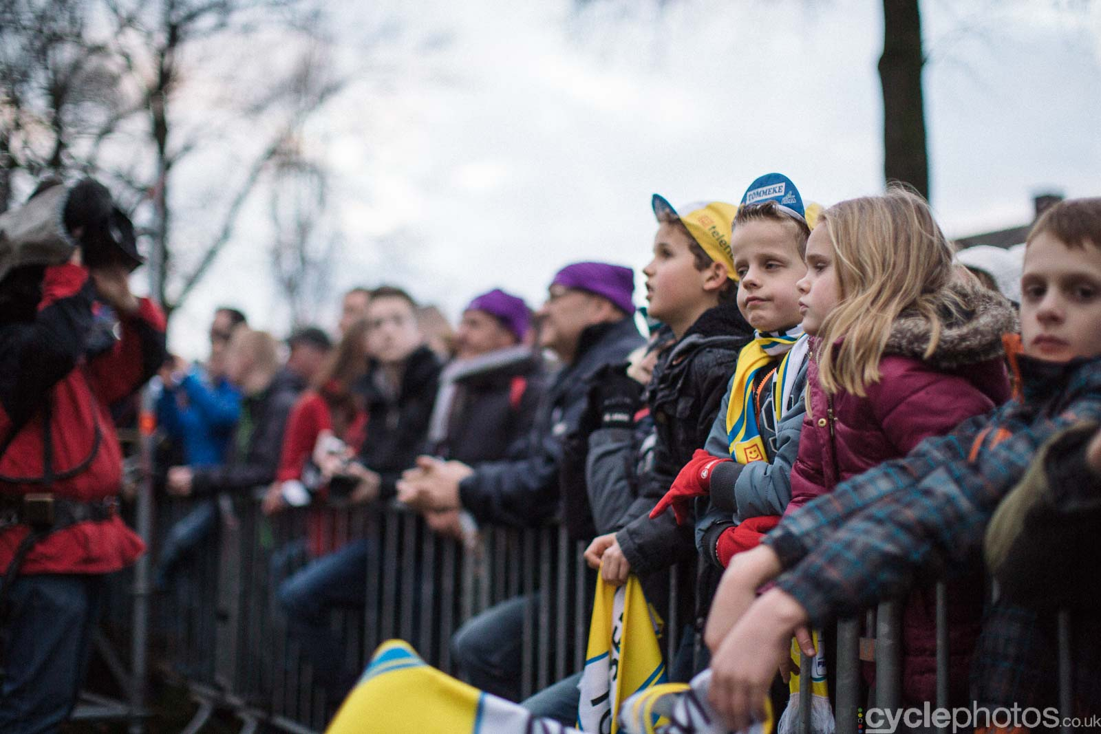 2015-cyclephotos-cyclocross-azencross-161657-supporters