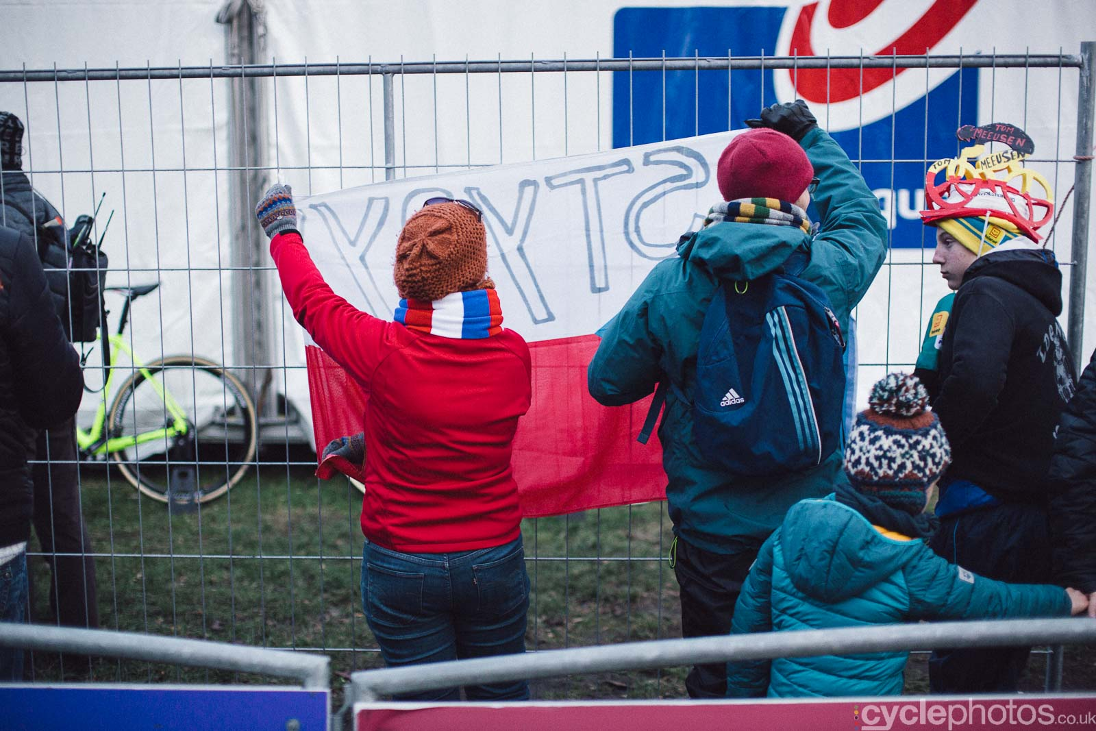 2015-cyclephotos-cyclocross-essen-162715-stybar-fans