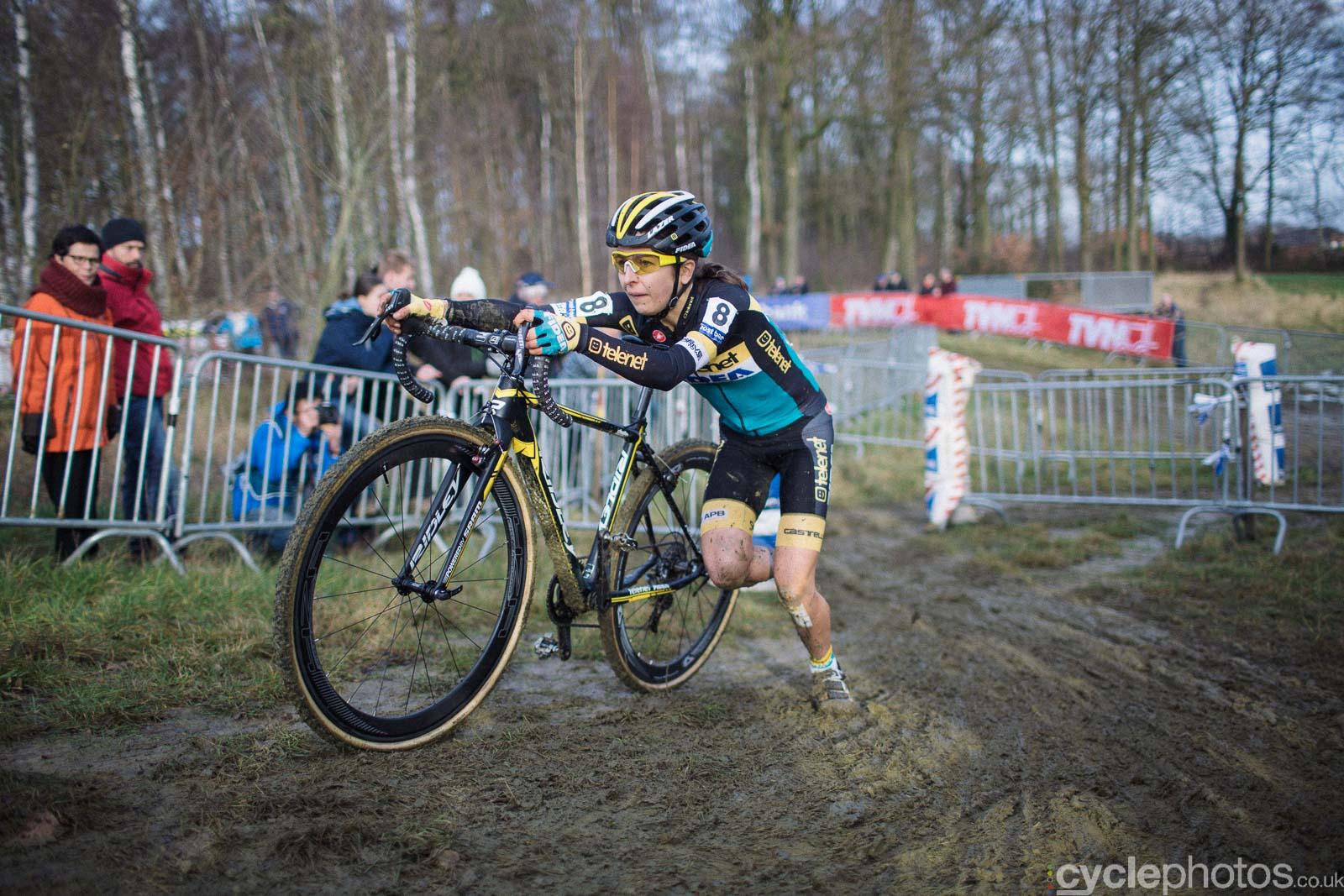 2016-cyclephotos-cyclocross-gpsvennys-135400-jolien-verschueren