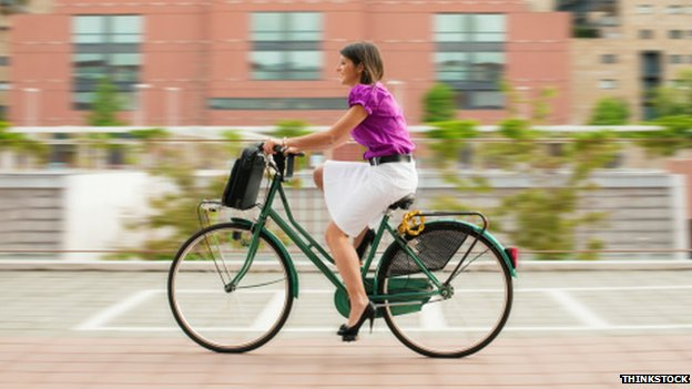 Walking or cycling to work 'improves well-being'