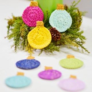 Crochet Christmas tree bulb free pattern