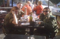 Soldiers_lunch_with_guns_2