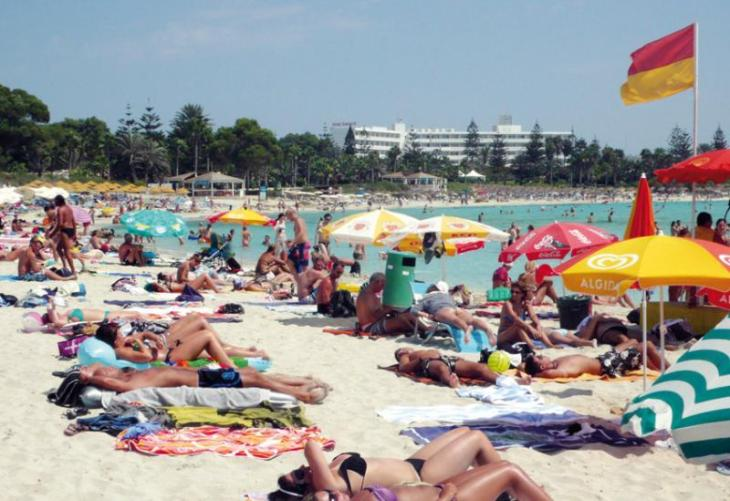 Tourists come mainly for the sunshine, study finds