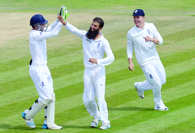 Moeen puts India in a spin as England level series