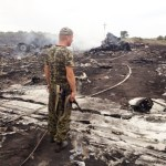 Fighting complicates Ukraine crash probe, U.S., EU prepare Russia sanctions
