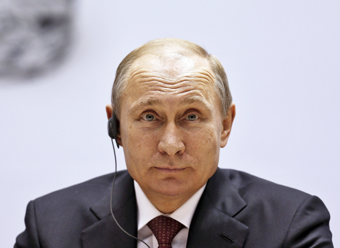 Arguing over Russian reserves: $400 bln or half that?