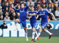 Chelsea beat valiant Hull to go six points clear