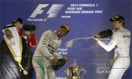 Hamilton wins again under Bahrain floodlights