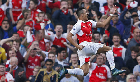 Arsenal thrash United to go second, Liverpool, Spurs held
