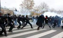French police clash with climate protesters in Paris