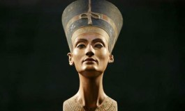 In search of Egypt's lost Queen Nefertiti, focus is on King Tut's tomb
