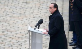 France's Hollande wins cooperation not coalition against IS
