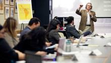 Un clase sobre periodismo en America Latina