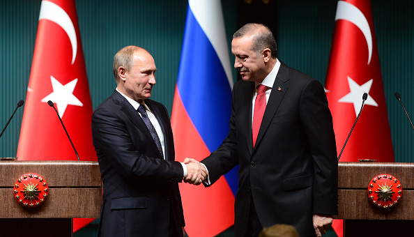 Vladimir Putin imposes a new law banning Russian clubs from signing Turkish players from 2016 [Tweets]
