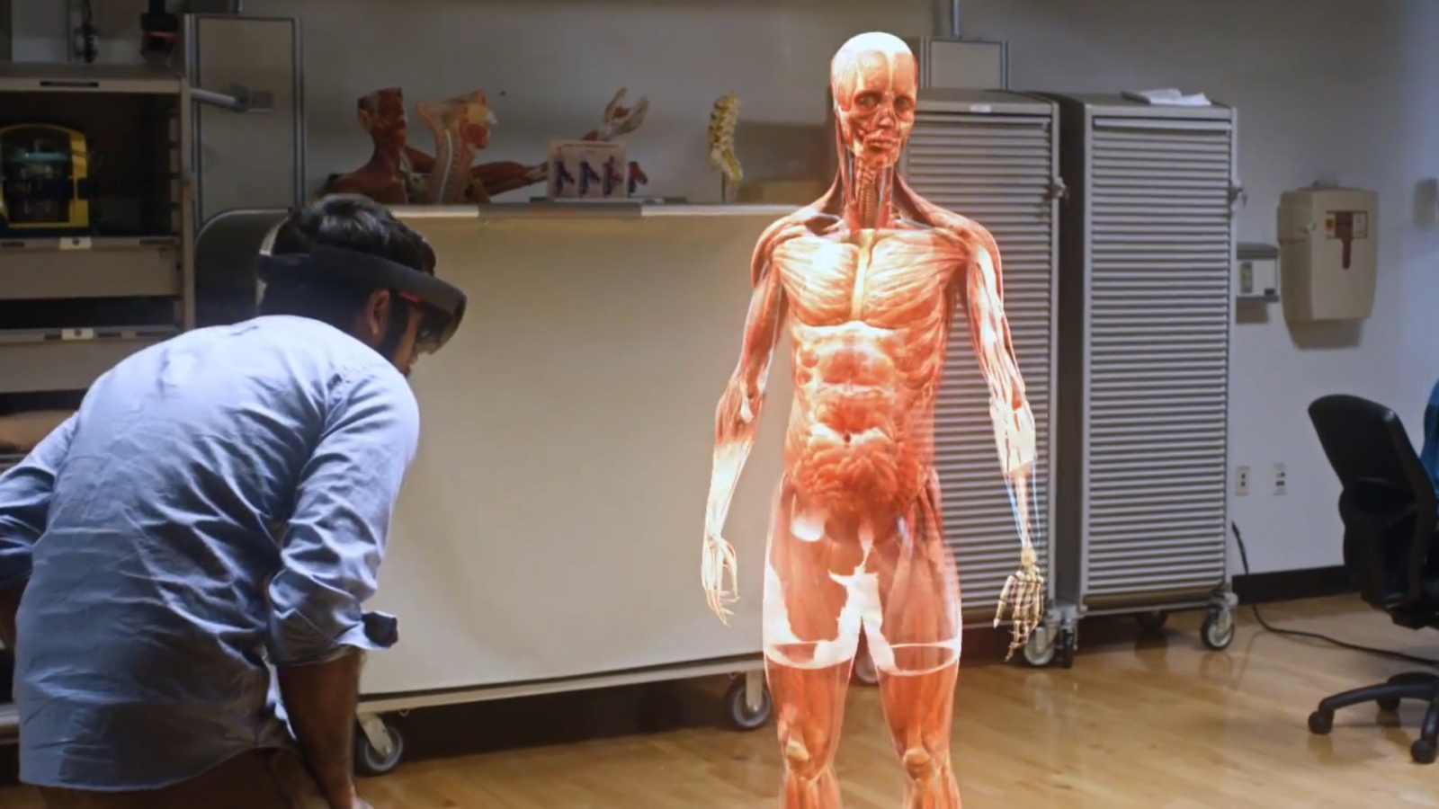 3d Classroom Wallpaper Microsoft Hololens Company Reveals What It Feels Like To