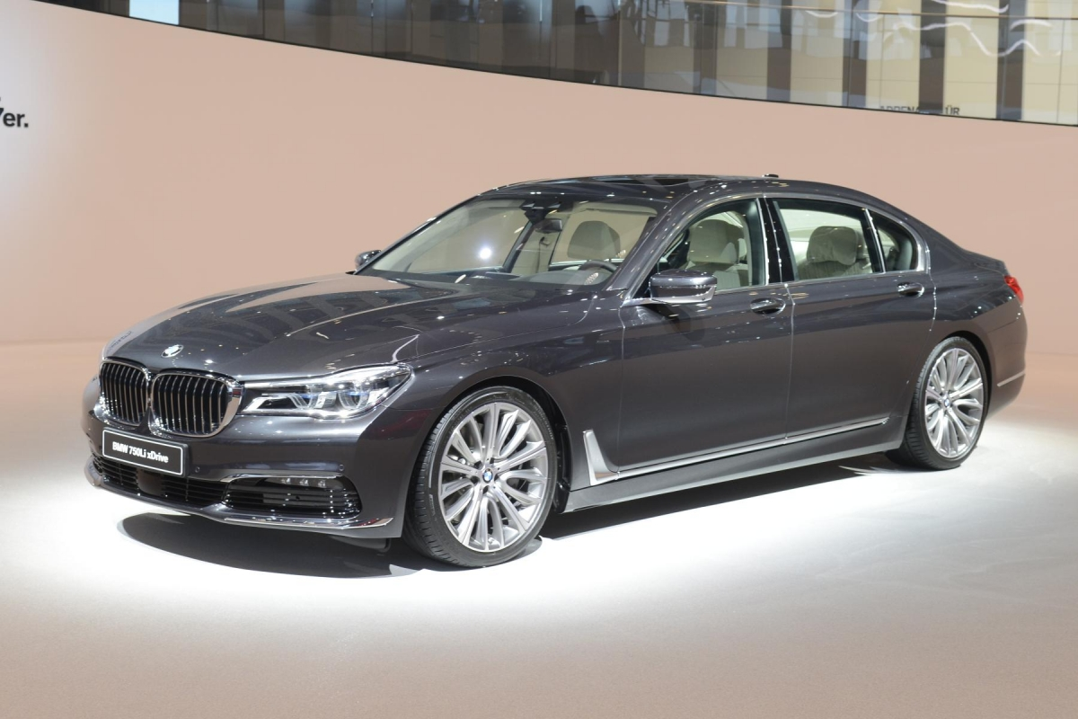 7 Serie 7 Reasons Why The New Bmw 7 Series Is The Most Tech Filled Car Of