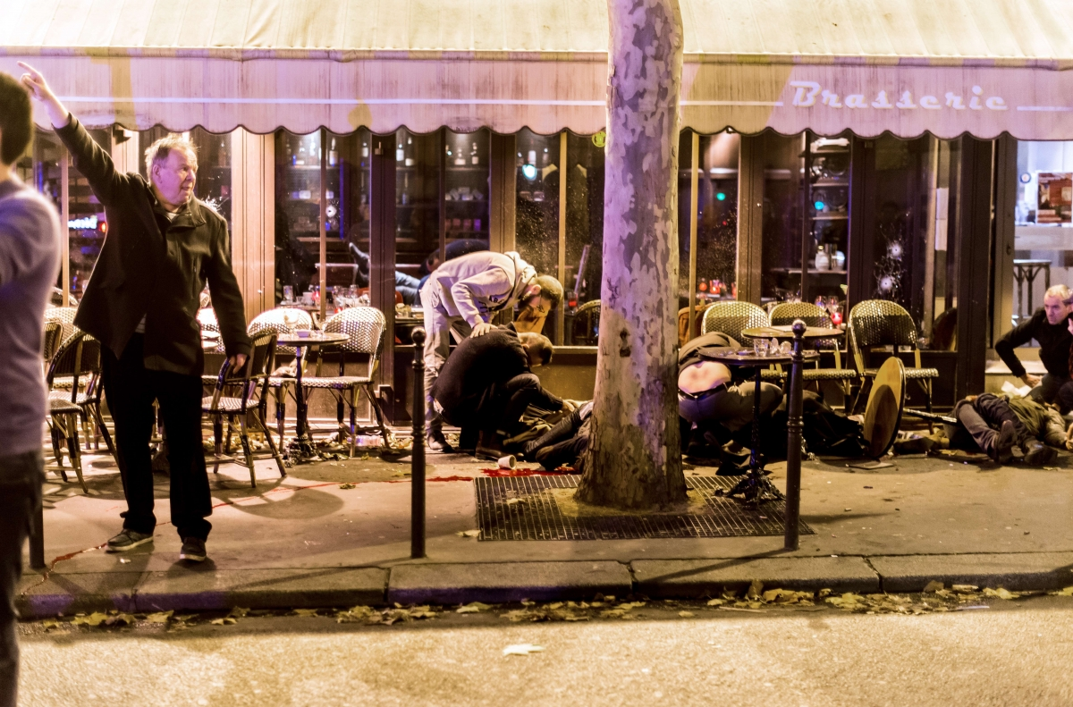 Terrasse Restaurant Paris Uk Public Support For Syrian Refugees Collapses In Wake Of