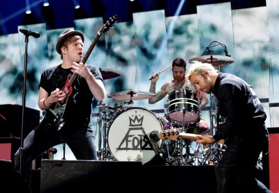 Fob Wallpaper Fall Out Boy Reading And Leeds 2016 Festival Line Up Fall Out Boy And