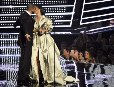 Drake and Rihanna love: Rapper wants to change his playboy ...